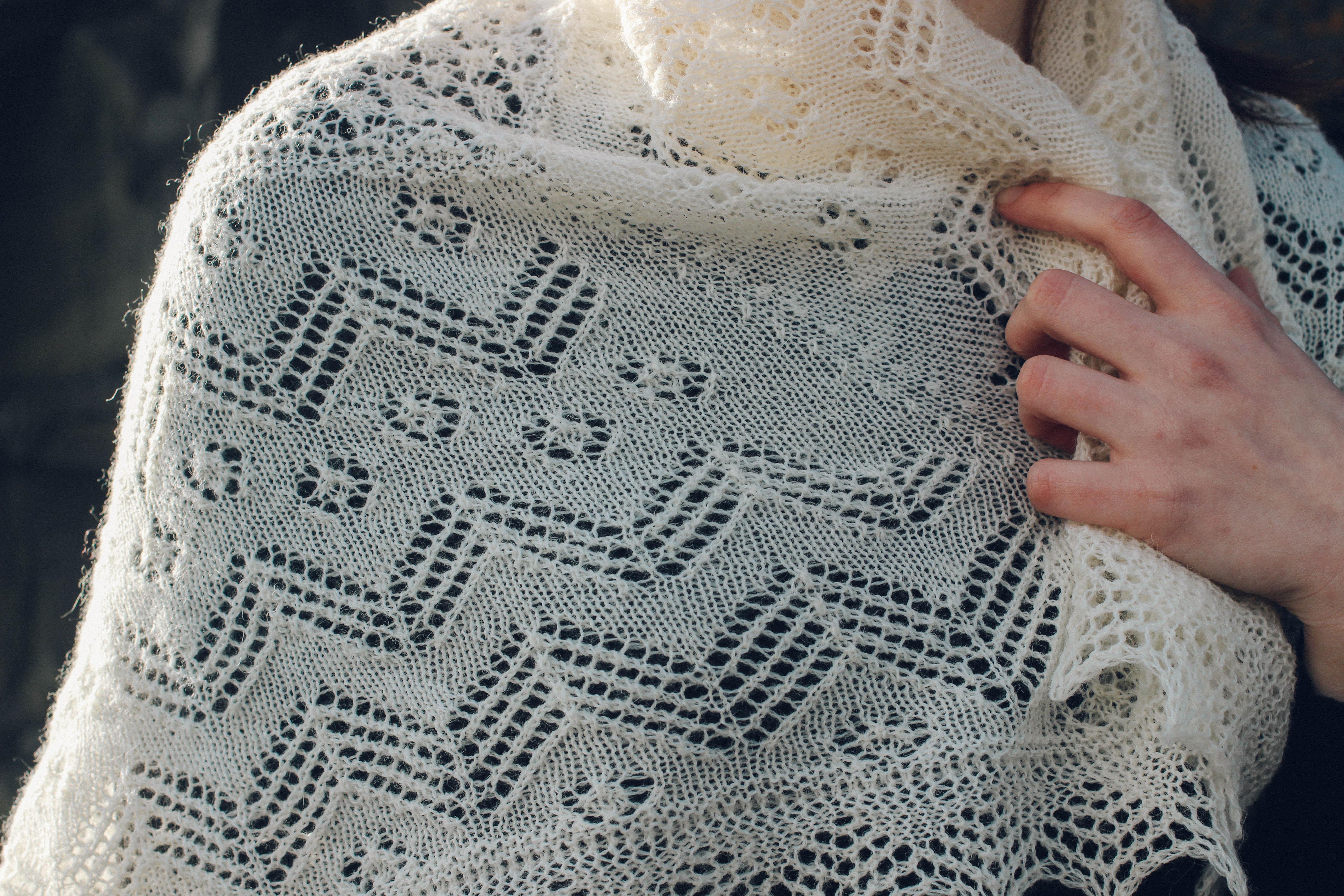 beautiful old shawl Knitting Pattern-Vintage 2 ply Shetland Shawl Pattern